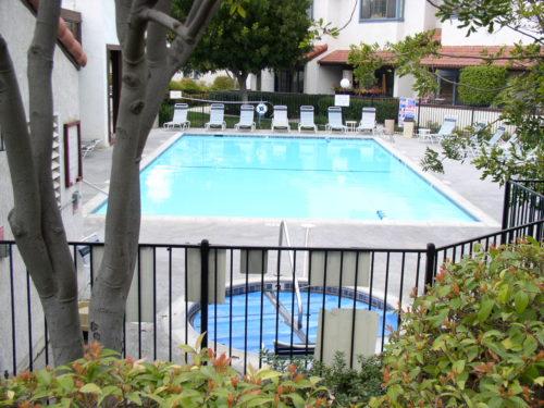 Mariposa pool area